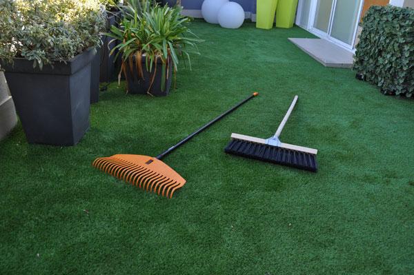C sped artificial para terrazas opciones para todos los - Como se pone cesped artificial ...