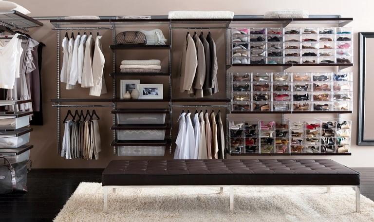 El vestidor una pieza fundamental para mantener todo en - Programa para disenar una habitacion ...